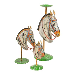 Candelabro de chapa en forma de caballo