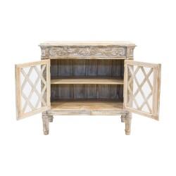 Aparador de madera con palilería