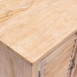 Mueble de madera vintage con puertas mallorquinas
