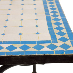Mesa mosaico rectangular celeste y blanca