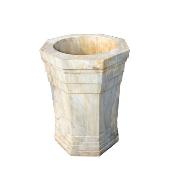 Brocal de pozo de mármol blanco