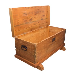 Arca de madera antigua