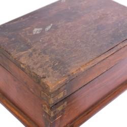 Joyero de madera antiguo