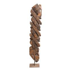 Ménsula de madera con soporte de forja