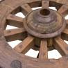Mesa de centro baja con carro y estructura de forja