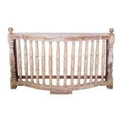 Consola de madera estilo clásico