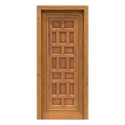 Puerta antigua de madera de estilo castellano