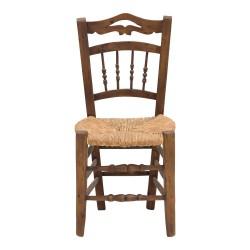 Silla de madera con asiento de enea
