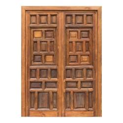 Puerta antigua de madera estilo castellano