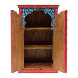 Alacena de madera de inspiración india