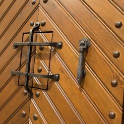 Puerta de madera exterior modelo Espiga