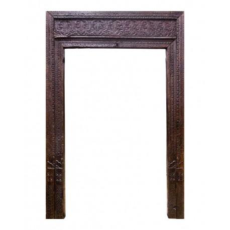 Portada antigua tallada