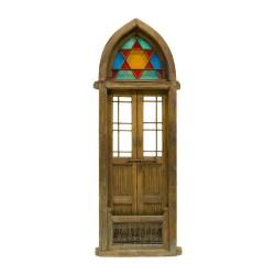 Puerta antigua de 1 hoja de medio punto ojival con vidriera romántica y reja