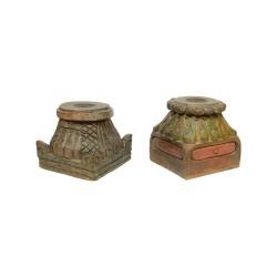 Portavelas columna tallada