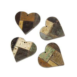 Corazón decorativo de madera