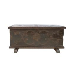 Arca antigua tallada