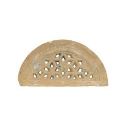 Celosía de medio punto fabricada en piedra
