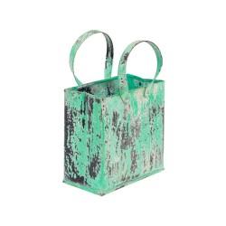 Bolsa fabricada en chapa de color verde