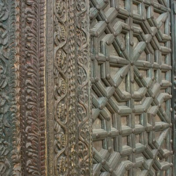 Portón antiguo inspiración india