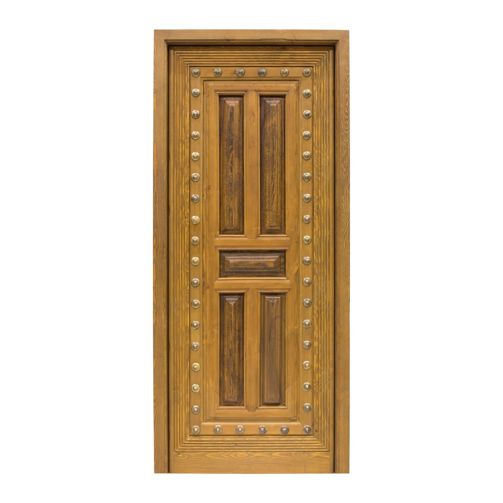 Puerta antigua de madera con clavos de bronce y recrecido
