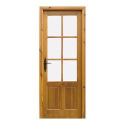 Puerta de interior de madera con palillería