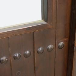 Puerta de interior de madera en duelada y cristalera