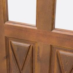 Puerta de madera de paso con cuarterones y palillería