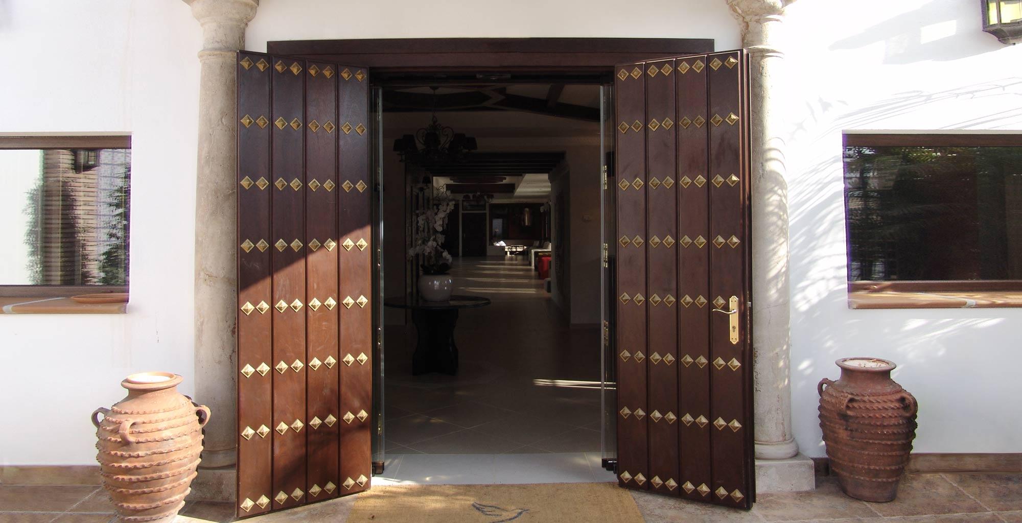 Puerta de madera a medida