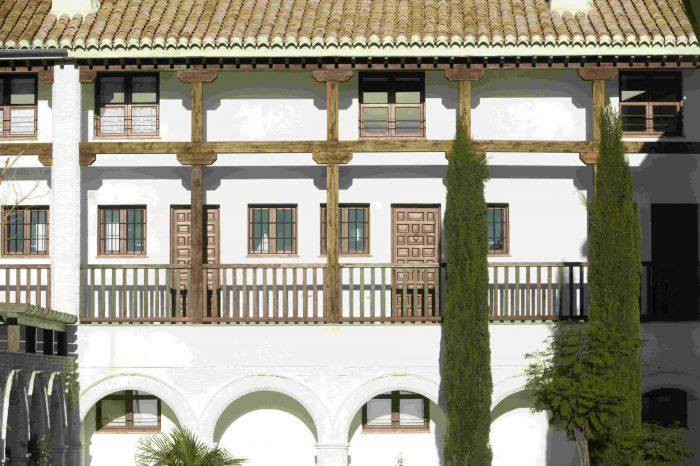 Fachada ventanas madera