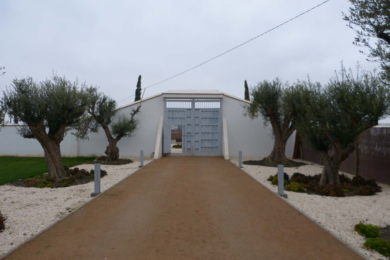 Portón de entrada de madera Conely
