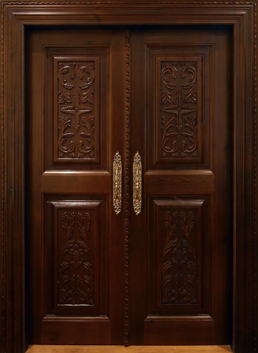 Puerta corredera tallada estilo clásico