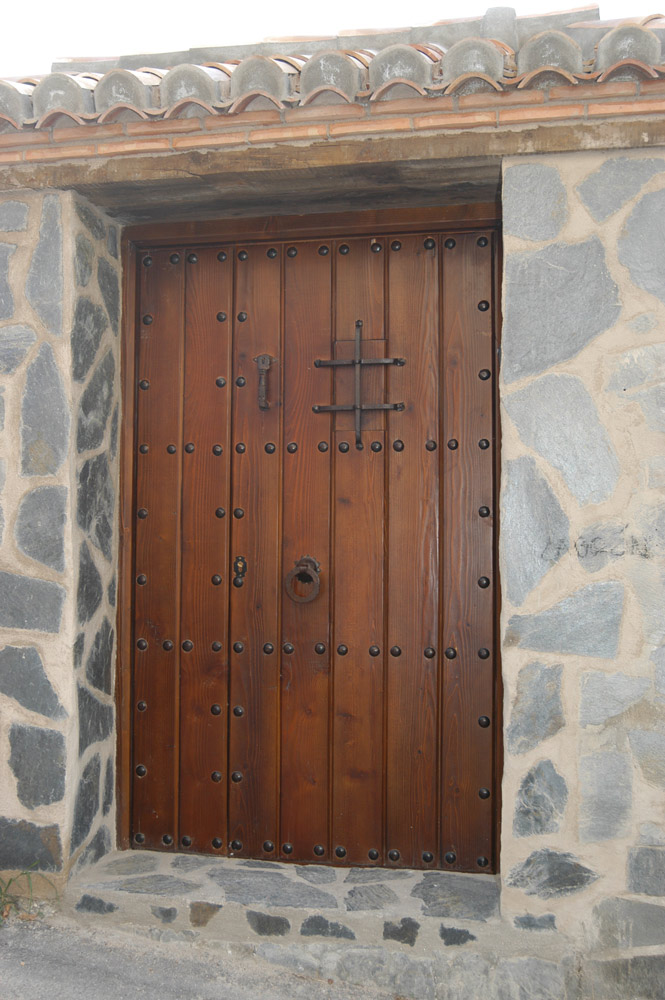 Restaurar puertas de madera restaurar muebles de madera for Como restaurar puertas de madera antiguas