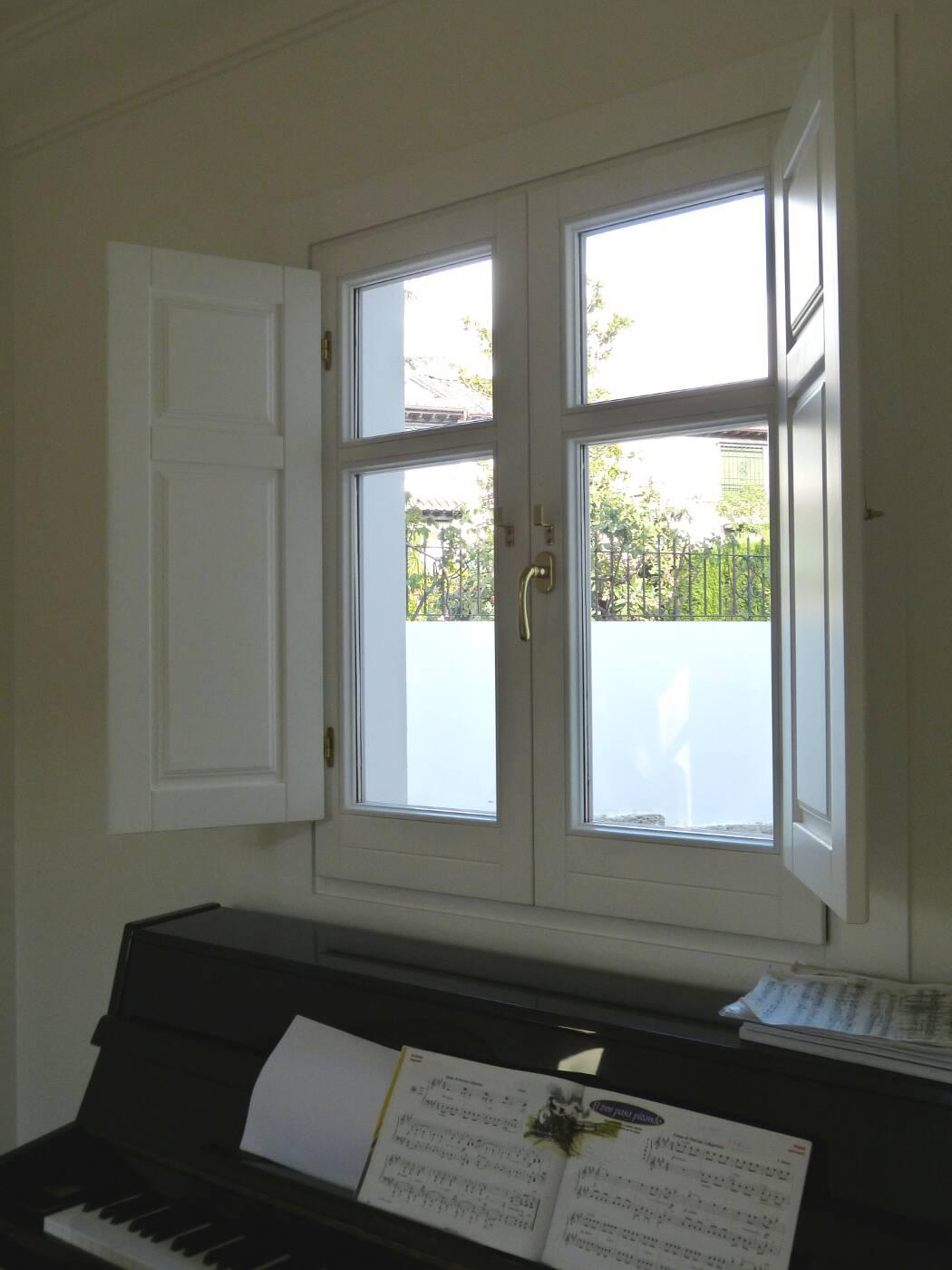 ventanas de madera antiguas cerramientos a medida conely