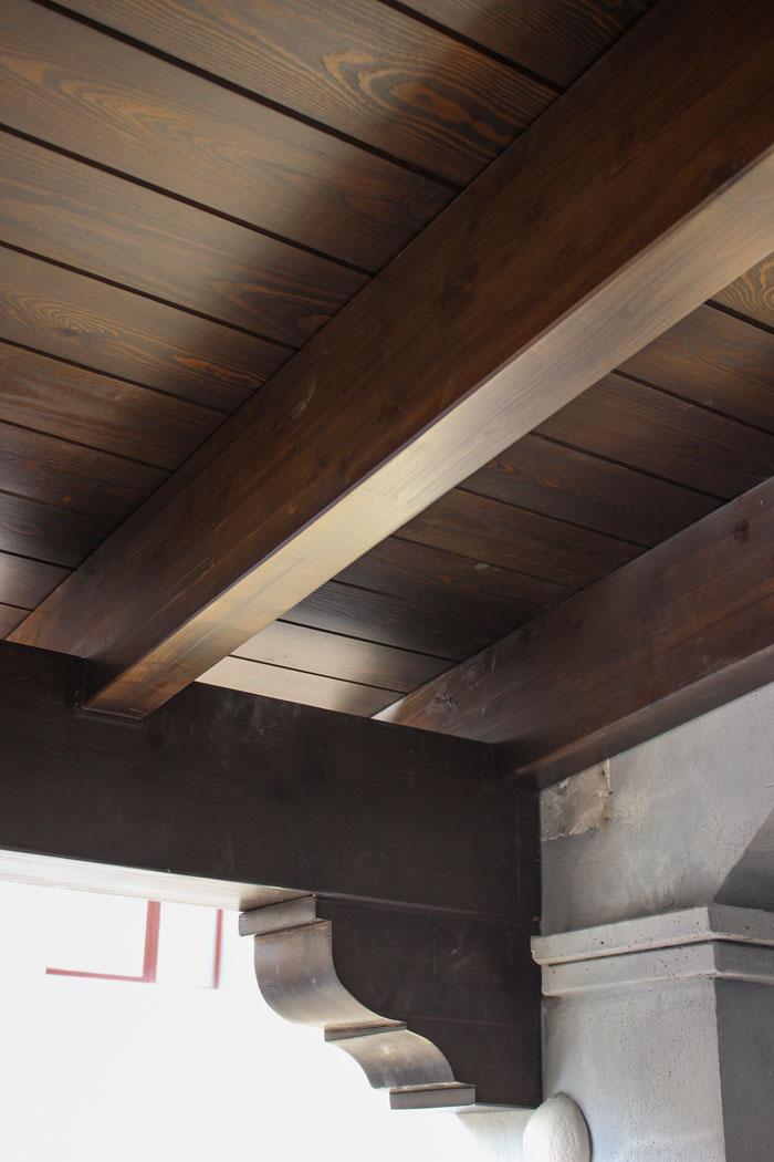 Detalle voladizo madera