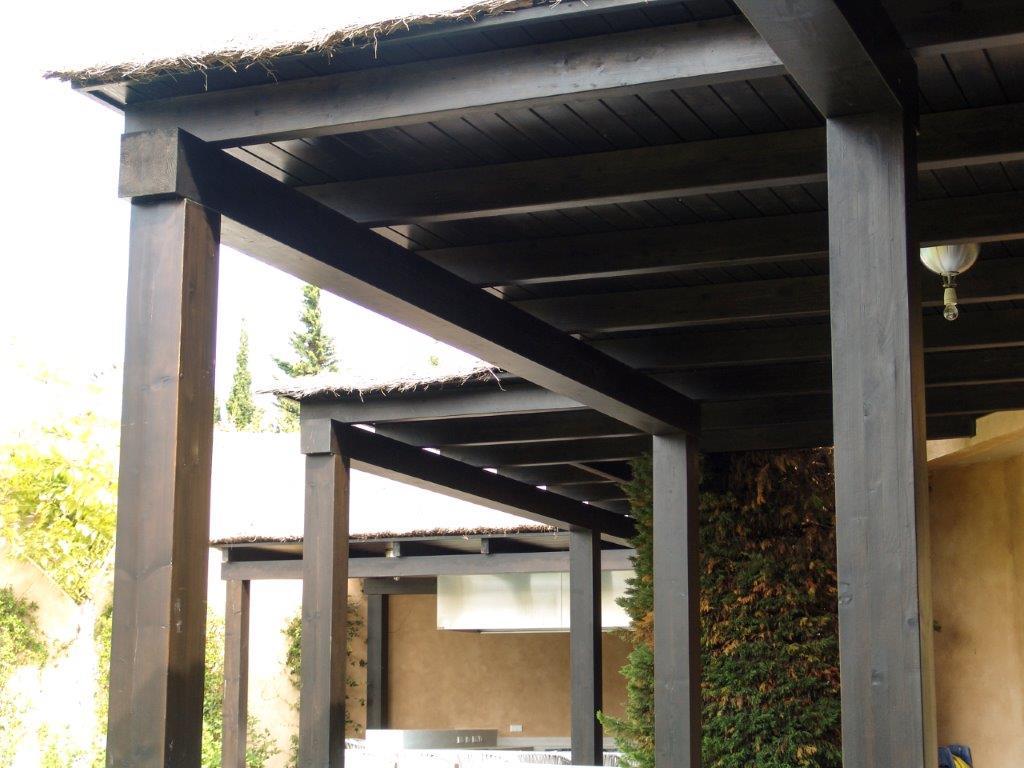 Carpintería y estructura de madera exterior