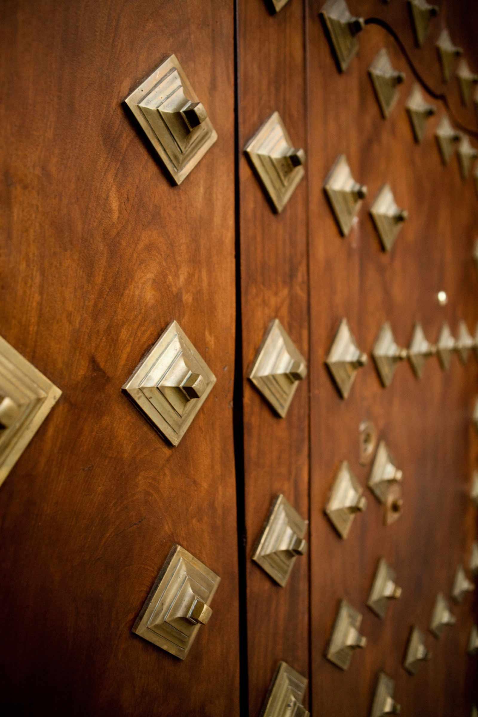 Detalles puerta de madera