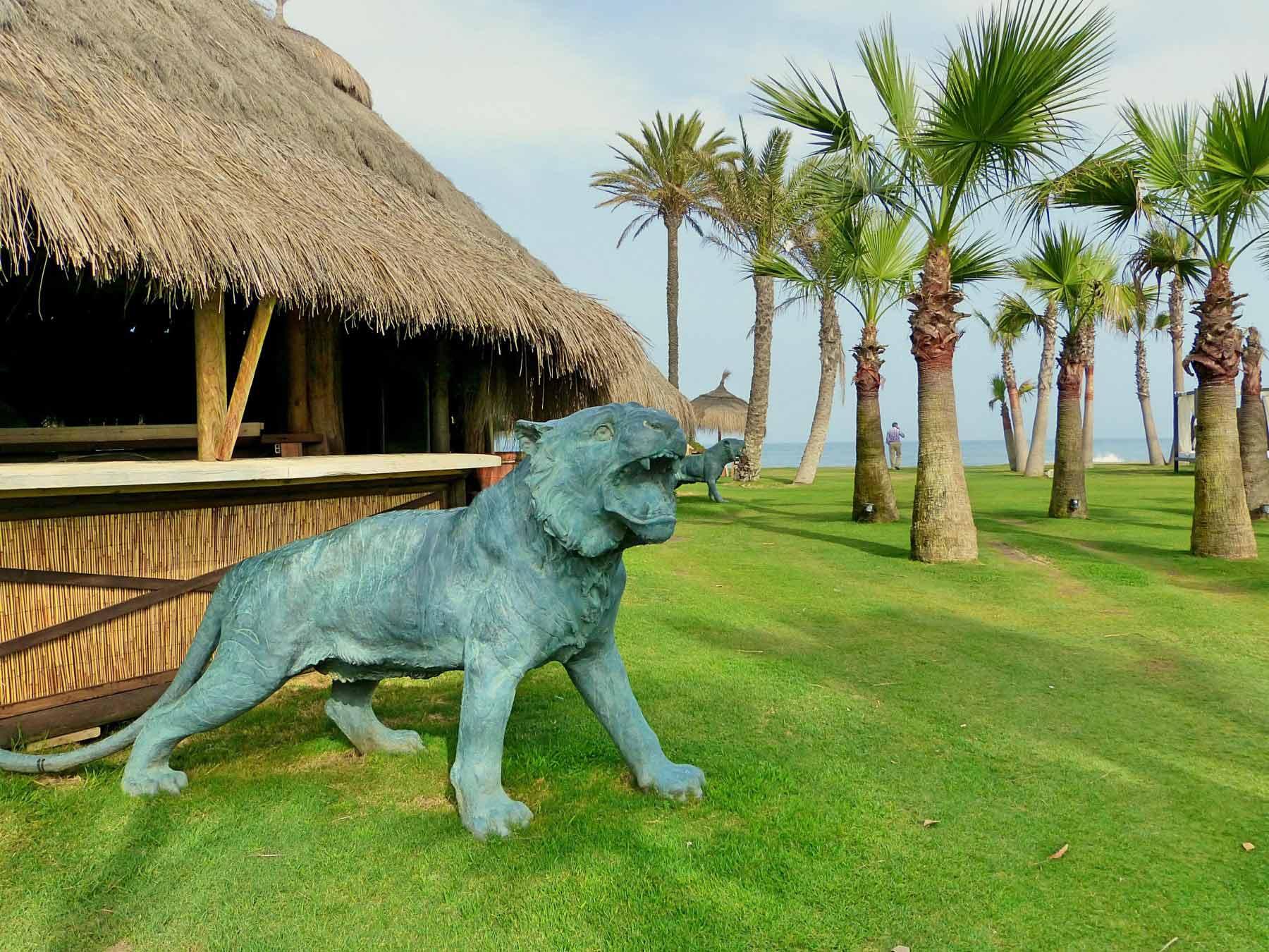 Escultura de leones de exterior