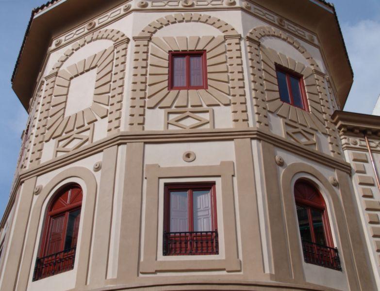 Fachada edificio antiguo