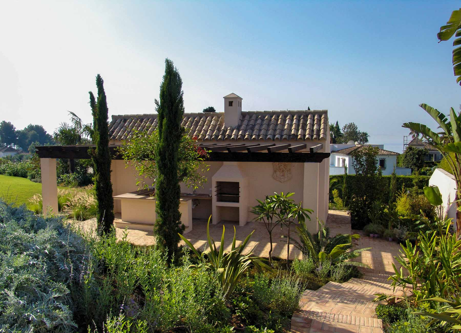 Fachada exterior de casa mediterránea
