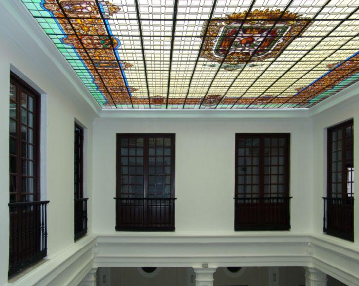Interior palacio Bibataubín