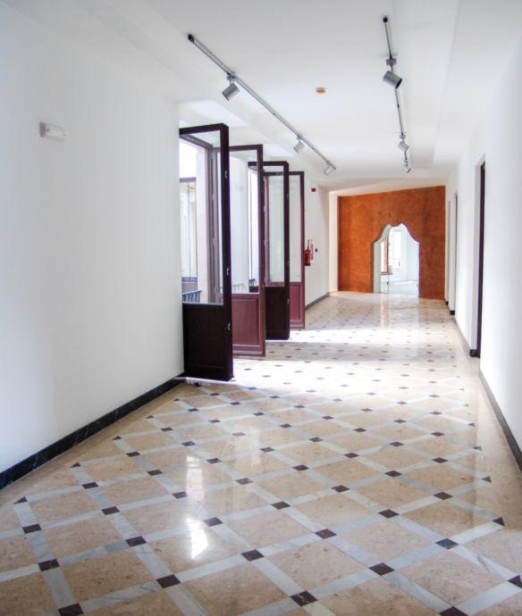 Pasillo de interior de un antiguo edificio