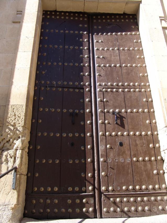 Restauración del portón de la Iglesia de Montefrío