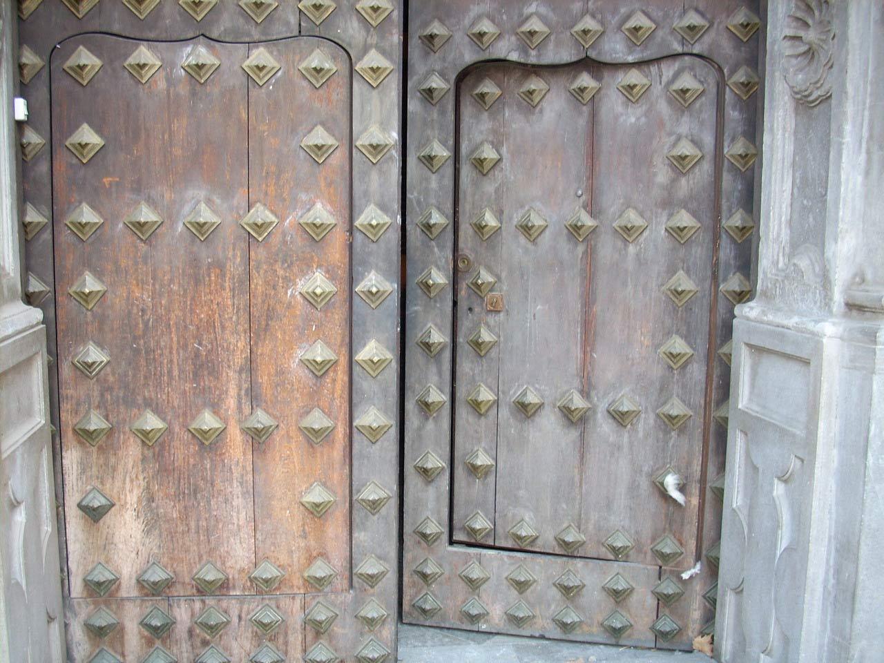 Puerta antigua detalle del deterioro