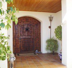 Puerta antigua medio punto