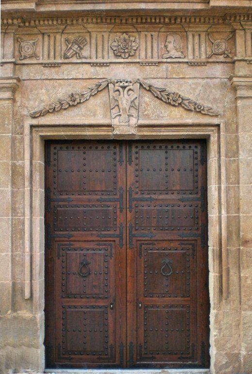 Puerta de Iglesia
