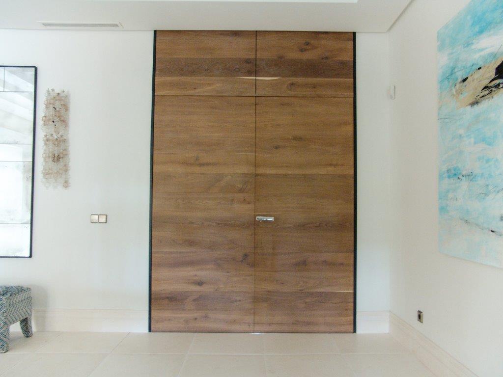 Puerta de madera moderna a medida
