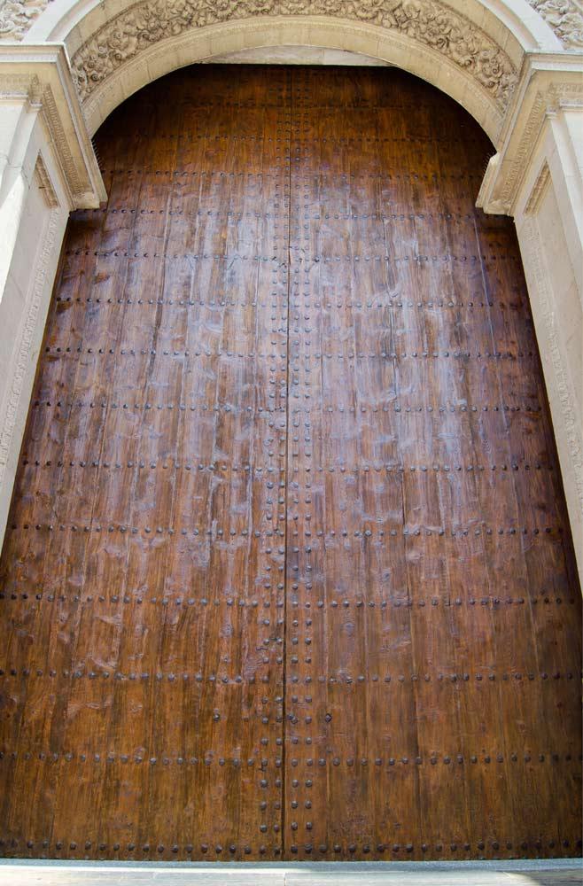 Puerta Catedral Granada restaurada