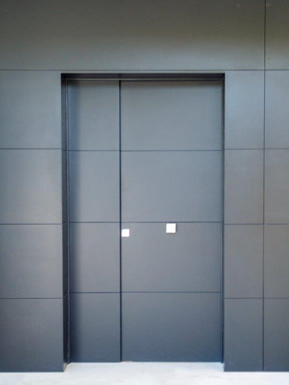 Puerta moderna a medida