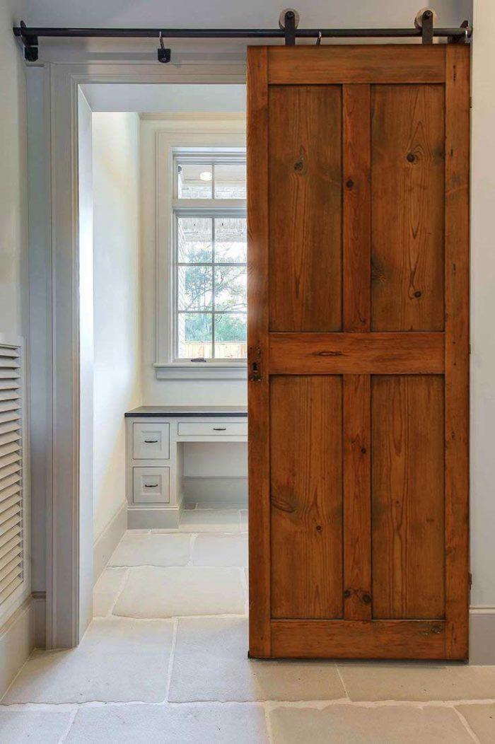 Puerta corredera en madera, decoración casas pequeñas