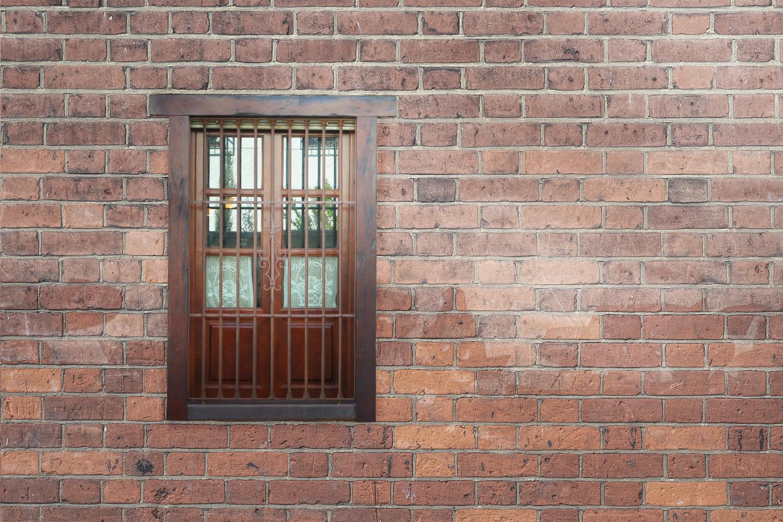 ¿Cómo aislar ventanas de madera antiguas?